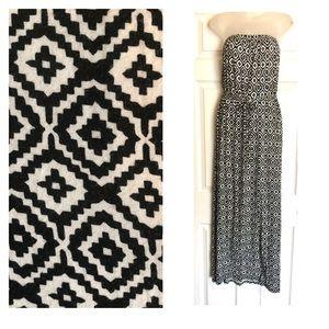 Old Navy Black & White Draw String Maxi Dress